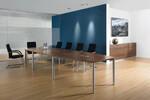 Rondana Konferenztisch mit Zwischenplatte.
